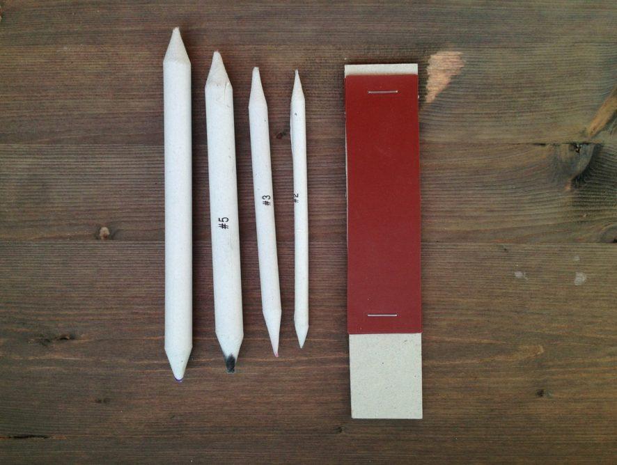 Как сделать блок наждачной бумаги для заточки карандашей, растушевок и пастели
